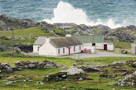 Cottages Ireland Farm Cottage Atlantic Waves Beat The Coast At Malin