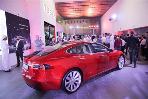 Tesla Dubai Tesla Opens Showroom In Dubai Retail Uae