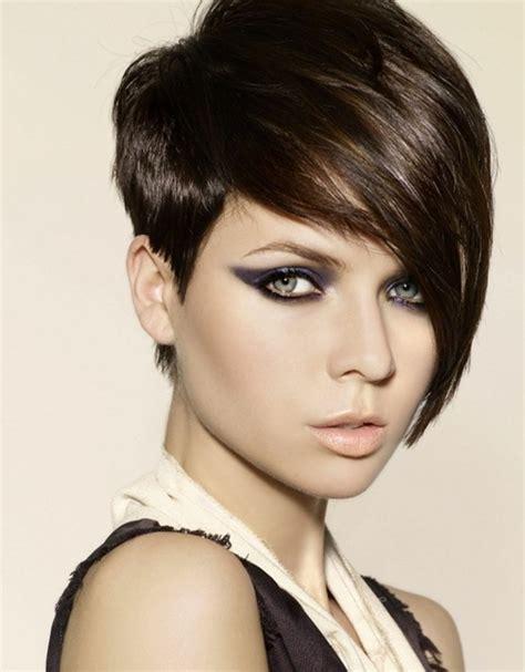 asymmetrisch kurze frisuren mit langen 18 raspelkurze haare damen trends ideen m 228 nner