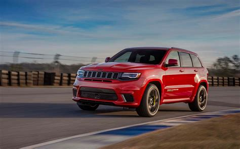 jeep grand cherokee 2018 2018 jeep grand cherokee trackhawk packs 707 horsepower