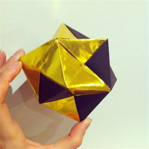 Gold Foil Origami Paper - gold foil and black paper modular origami sonobe units