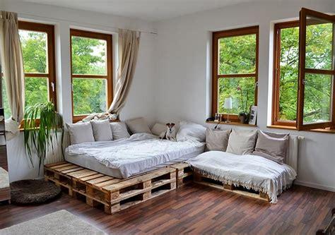 schlafzimmer europaletten ideen tolle idee aus paletten in gem 252 tlicher wohnung