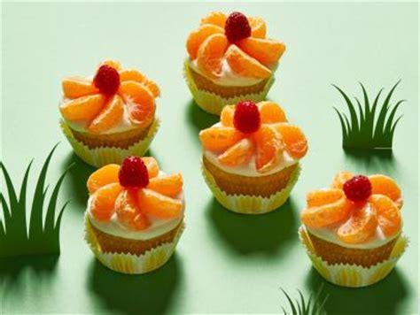 ina garten cupcakes flower cupcakes recipe ina garten food network