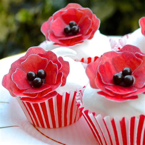 An Edible Floral Arrangement And Poppy Seed Cupcakes by Edible Poppy 3d Flowers X 100 Ruby Poppies Wafer Rice
