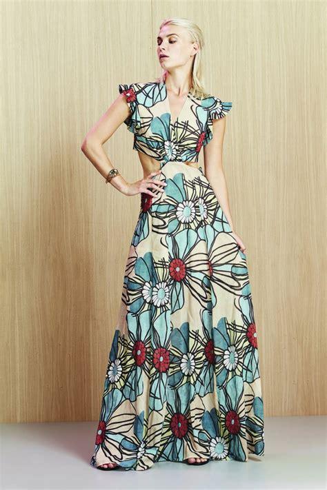 fiori per una donna fiori per una donna che gioca con il look manila grace