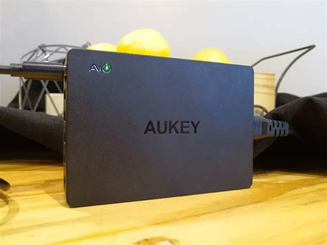 Aukey Charge 30 Power Bank 20000mah Pb T10 aukey headlined by 20000mah power bank with qualcomm