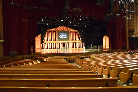 grand ole opry house a history of the grand ole opry the longest running u s radio show