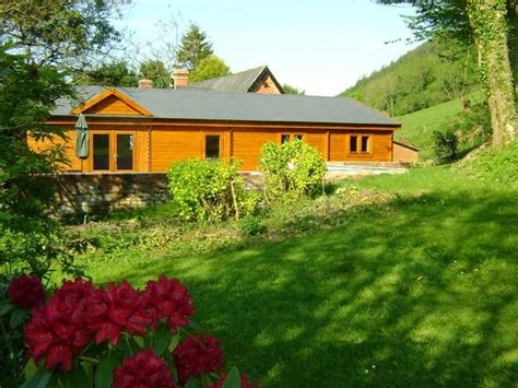 Wales Cottages With Tub by Family Run Cottages For Self Catering In Wales Forest Lodge Sleeps 6 2 Newtown Powys