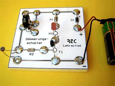 Motorrad Blinker Ohne Batterie by D 228 Mmerungsschalter Bausatz Hs2 Auf Holzbrett Mit Rei 223 N 228 Gel