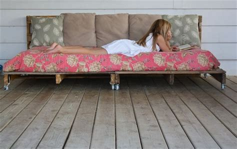how to build a pallet bed how to make a pallet daybed from old pallets wooden