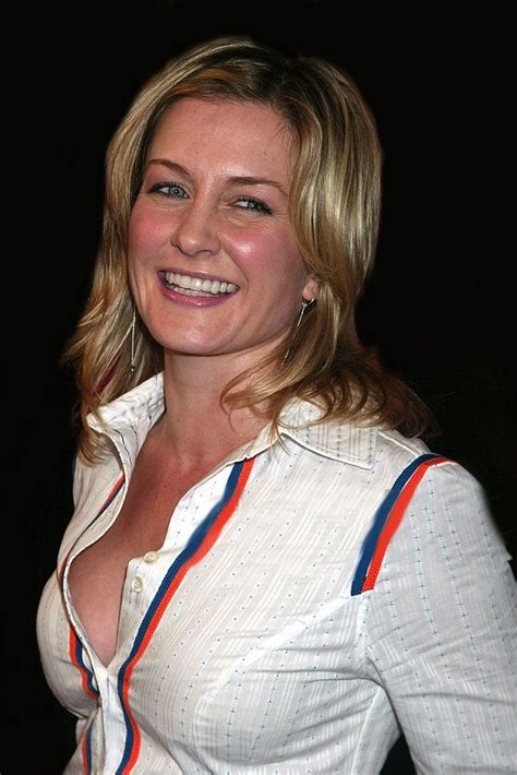 linda from blue bloods haircut amy carlson celebrities pinterest amy carlson
