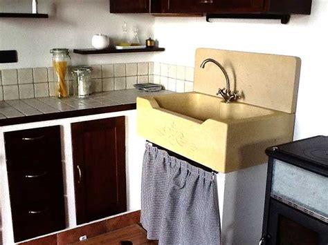 lavelli per cucina in muratura cucina in muratura con lavello in pietra la pietra taurina