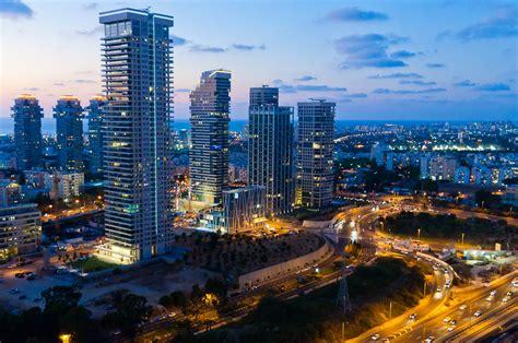 tel aviv future skyline tel aviv una citt 224 in continua evoluzione come