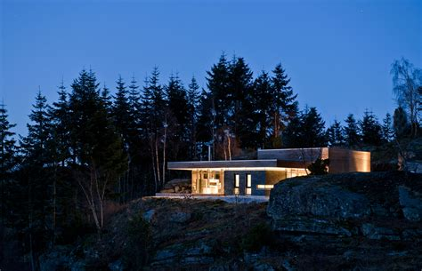 environmental lighting for architecture architecture amazing modern lake house with green