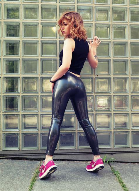 imagenes de latex leggings latex leggings in metallic pewter from lockstoff latex