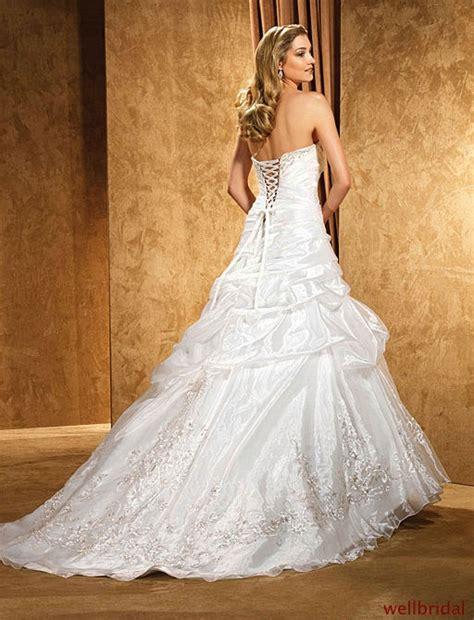Pompöse Brautkleider by Romantično Venčanje Na Otvorenom Za Svadbe