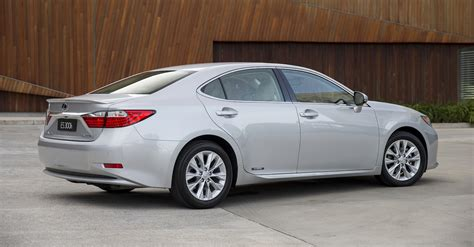 lexus luxury sedan lexus es large luxury sedan returns from 63 000 photos