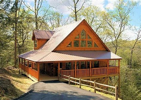 2 bedroom cabins in pigeon forge tn shamrock lodge 215 2 bedroom cabins pigeon forge cabins gatlinburg cabins