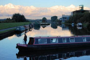 boat trips castleford canal narrowboat holidays on selby boating holiday selby