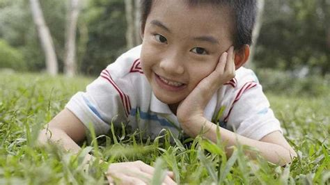 why in japanese japanese for children comment why japanese kids can walk to school alone sbs news