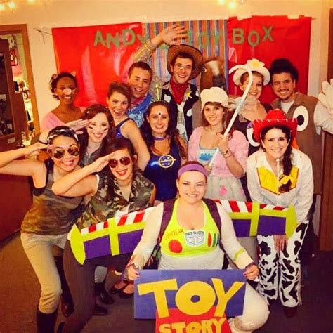 disney costumes    group  diy toy story