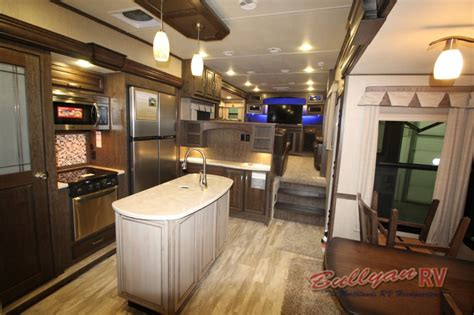 Grand Design Solitude 375FL Fifth Wheel Floorplan: Five