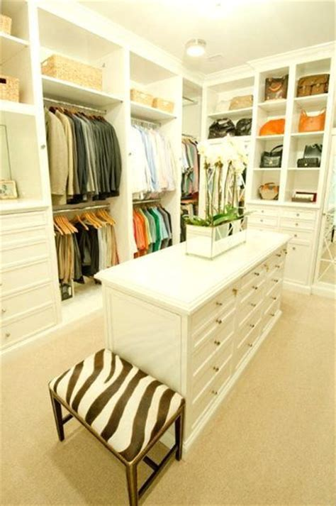 walk  closet design ideas  find solace  master bedroom