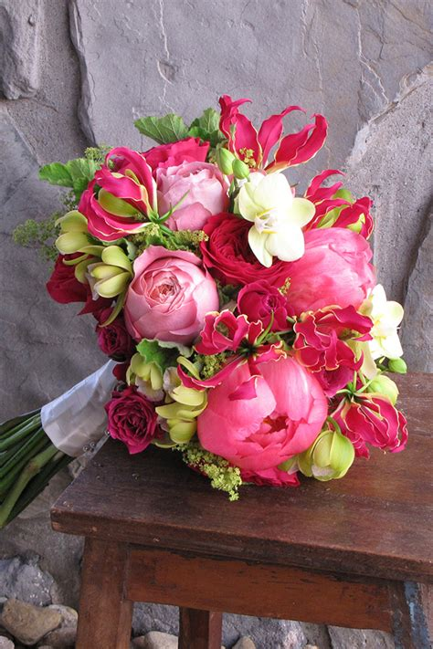 Beautiful Wedding Flower Arrangements by Bright Bold Wedding Bouquets Preowned Wedding Dresses