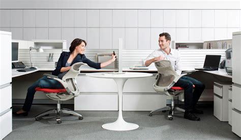 persone che fanno l in ufficio le parole chiave per l ufficio moderno in evoluzione