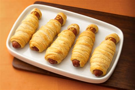 mummy dogs with crescent rolls crescent mummy dogs kraft recipes
