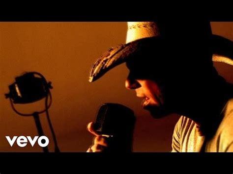 Kenny Chesney Isnt by Ain T Back Yet Songtext Kenny Chesney Lyrics