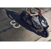 World Premiere BMW Motorrad Concept Link