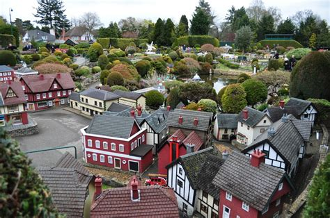 bekonscot model village railway in buckinghamshire the