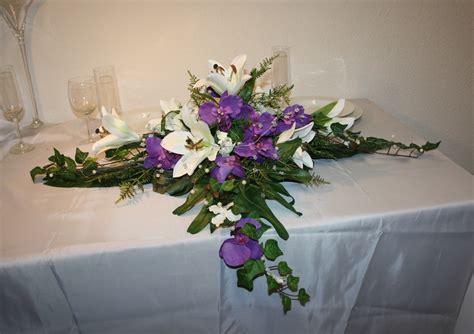 altargesteck lilien und orchidee hochzeitsdekorationen