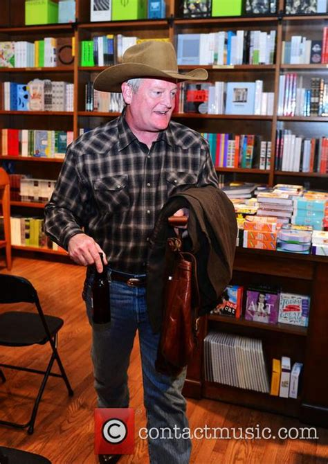 Author Johnson by Author Craig Johnson Craig Johnson Promotes His Book