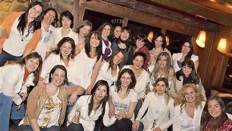 Chicas De Calendario Por Solidaridad 50 Desnudan Almanaque 2014 Taringa