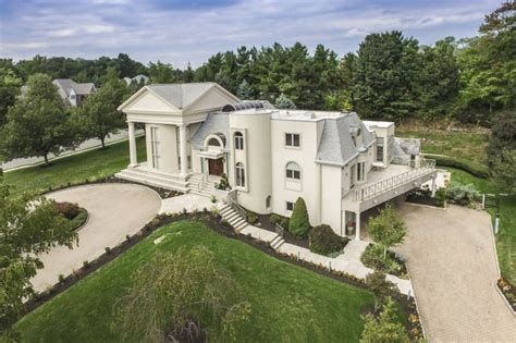 Garage Sale Livingston Nj by 10 000 Square Foot Mansion In Livingston Nj With Indoor