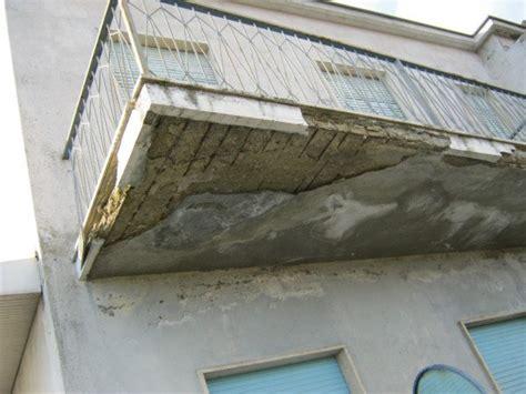 terrazzo aggettante ringhiere e frontalini balcone chi paga