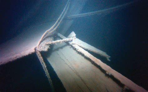 underwater detectives   henry  smith