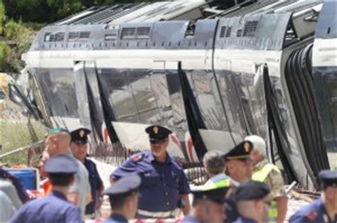 ufficio protesti napoli deraglia treno distrutto il figlio della vittima