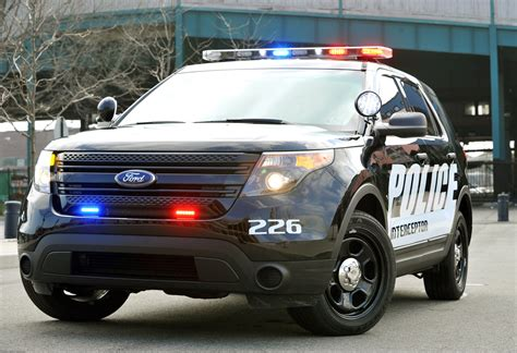 ford vehicles roger that ford speeds in new police pursuit cars