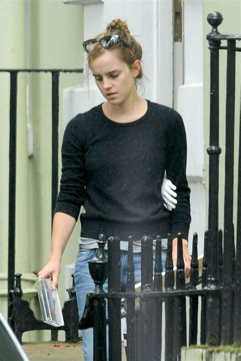emma watson house london emma watson moving out of her place in london hawtcelebs