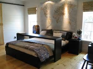 Queen Bedroom Set Craigslist Where Can I Find The Table Over The Bed