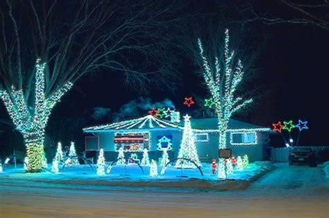 classic christmas house lights saskatoon homeowner times extravagant light display to classic tunes ctv saskatoon news