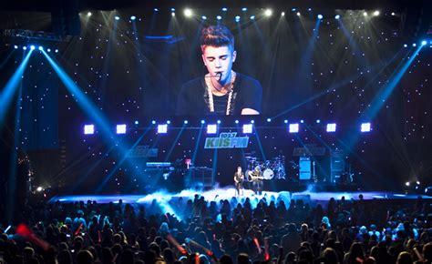 justin bieber konsert sverige 2015 justin bieber live in concert in mumbai india purpose