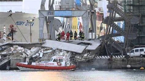 incidente porto genova nave si schianta nel porto di genova