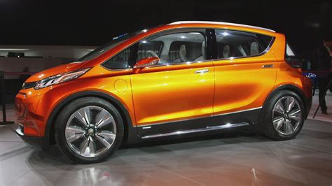 chevrolet all electric car volt bolt chevy s new electric cars business news