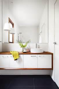 Small White Bathroom Modern Bathrooms by 1000 Ideas About Small White Bathrooms On