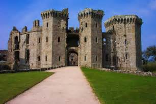 United Luggage 15 Fairytale Castles You Must See In Wales Hand Luggage