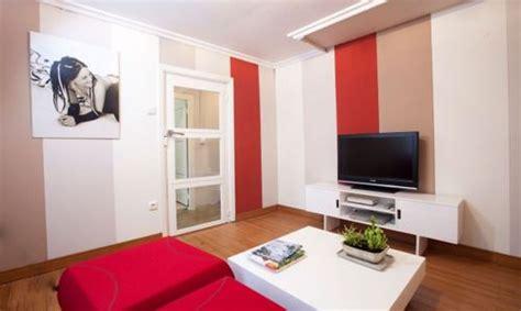 decorar sala tv pequeña hachup ceramicos para pisos de sala